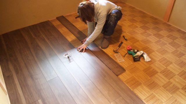 子供部屋の床に自分でフローリングを貼る方法